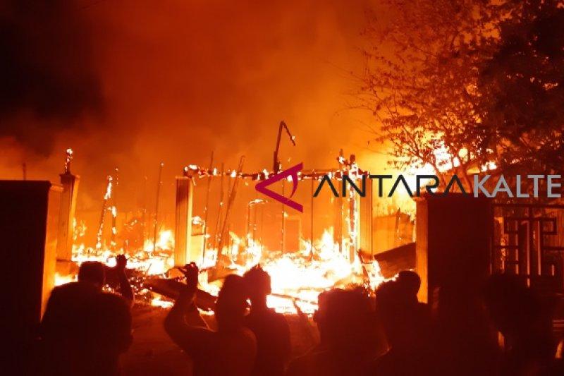 Lima rumah di Muara Teweh ludes terbakar