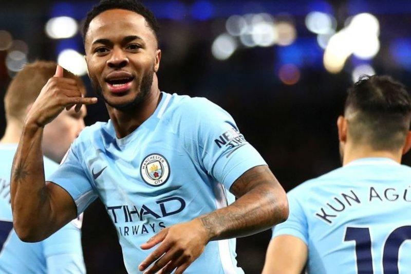 Raheem Sterling perpanjang tiga tahun di Manchester City