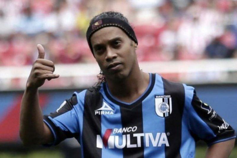 Gubernur bantah larang Ronaldinho main di Jakabaring