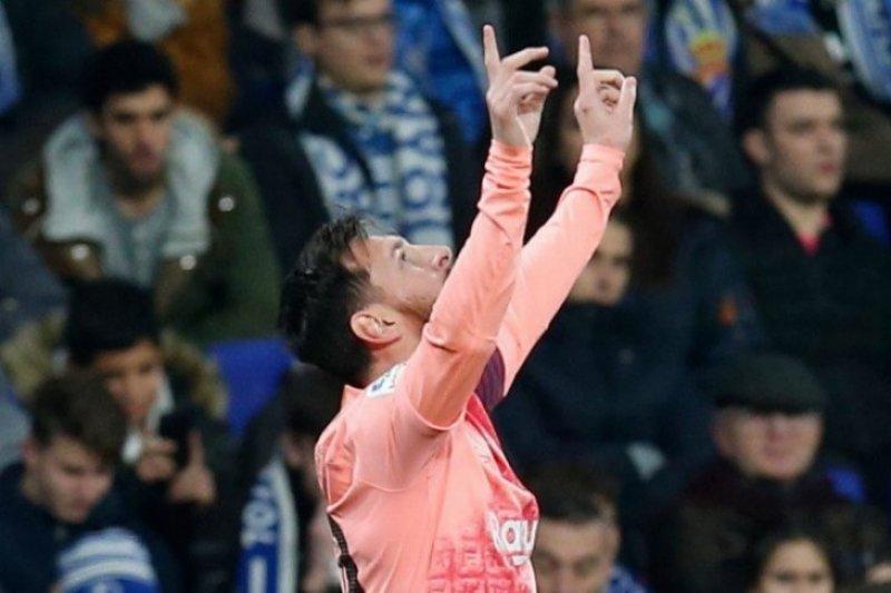 Messi bawa Barcelona lumat Elbar dengan gol ke-400