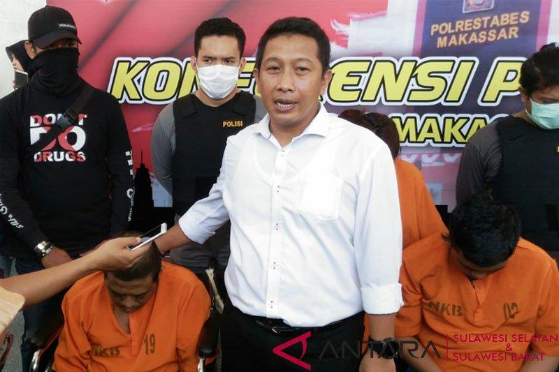 Polrestabes Makassar tangkap pasangan suami istri bandar sabu