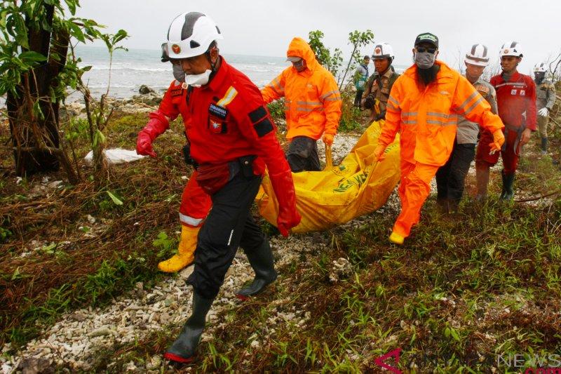 Pegawai Tanjung Lesung temukan jenazah korban tsunami