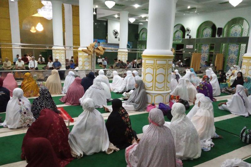 Ratusan jamaah Masjid Nurul Falah Agam gelar muhasabahsambut pergantian tahun