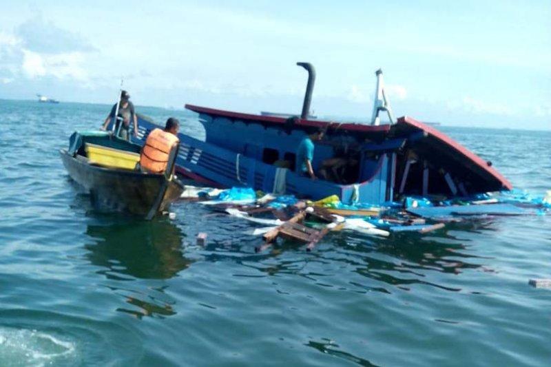 KM Makmur ditabrak tanker di OPL timur