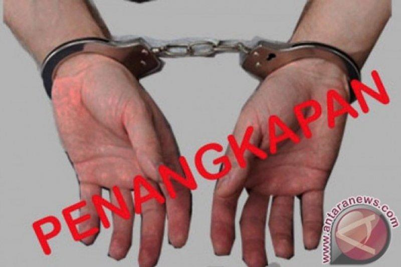 Polisi mengamankan sales obat herbal di perbatasan Indonesia - Malaysia