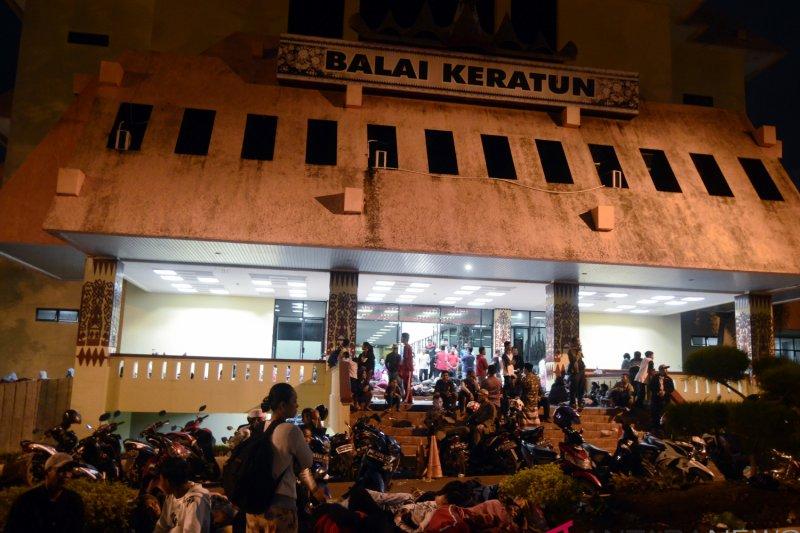 RT, lurah dan camat ajak pengungsi pulang di Lampung