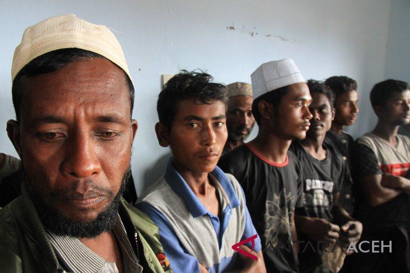 ASEAN diminta lakukan operasi penyelamatan warga Rohingya di laut