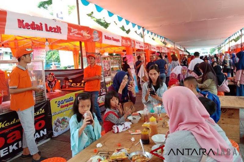 Festival bakso juara di Bandung