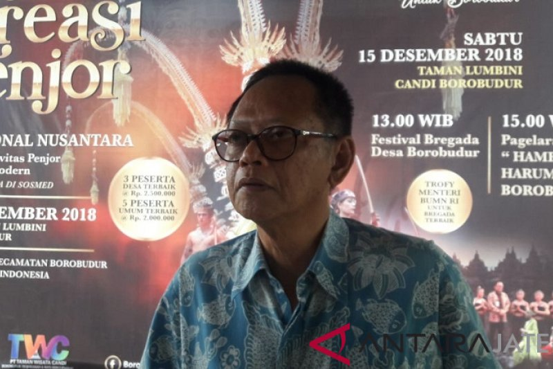 Beradu kreativitas dalam festival penjor di Borobudur