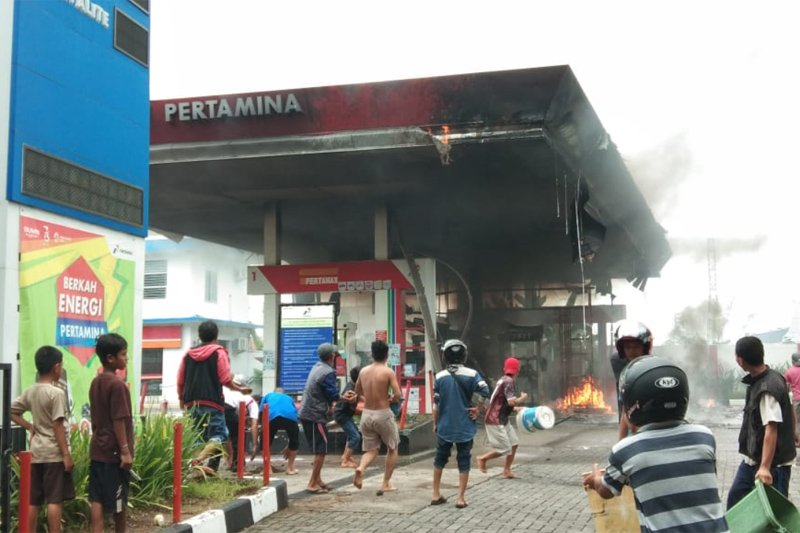 SPBU di jalan Abdesir Makassar terbakar
