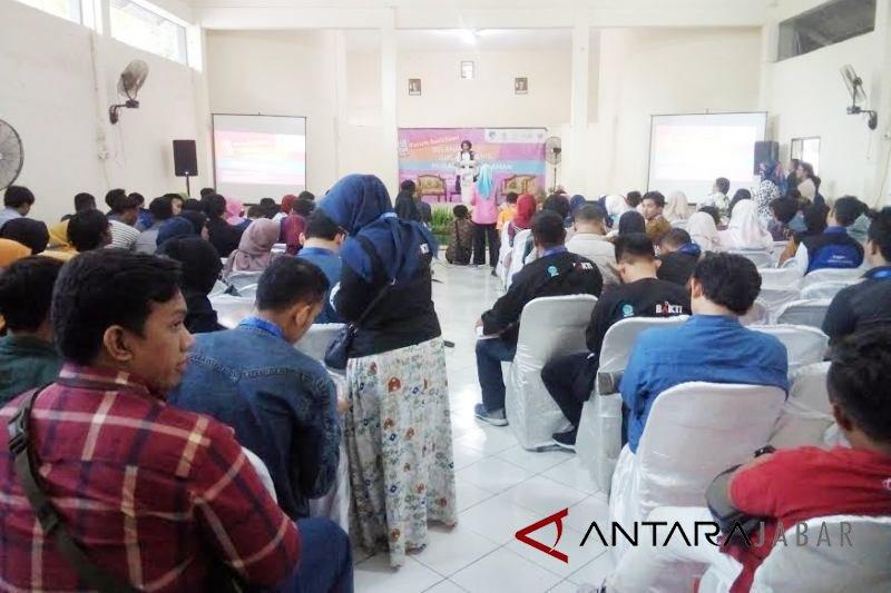 Kemkominfo latih UMKM Cirebon jualan daring