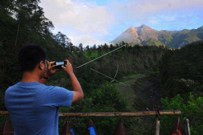 Magelang hentikan sementara aktivitas wisata di kawasan Gunung Merapi