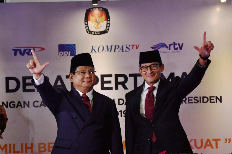 Pendukung Prabowo-Sandi aksi gandeng tangan di Magelang