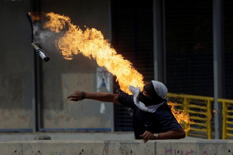 Konsulat Turki di Swiss diserang dengan menggunakan bom molotov