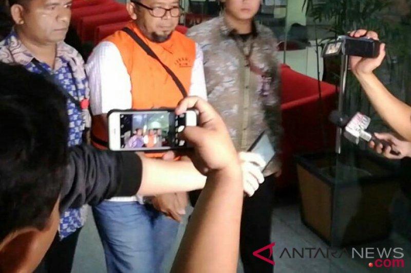 KPK tahan dua tersangka kasus suap DPRD Sumut