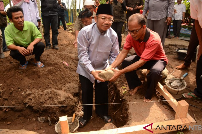 Bupati Lombok Utara resmikan peletakan batu pertama RIKA di Dusun Gol