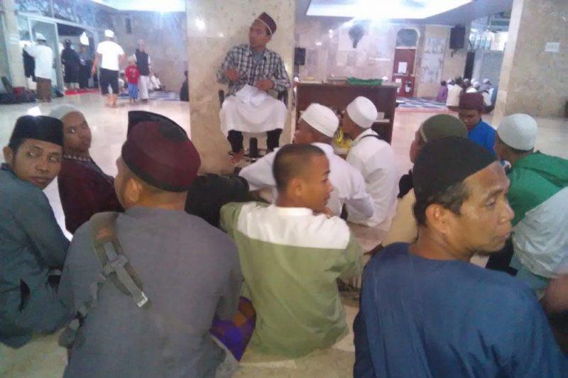 Puluhan tunarungu di Mataram rutin ikut pengajian di Masjid Raya At-Taqwa