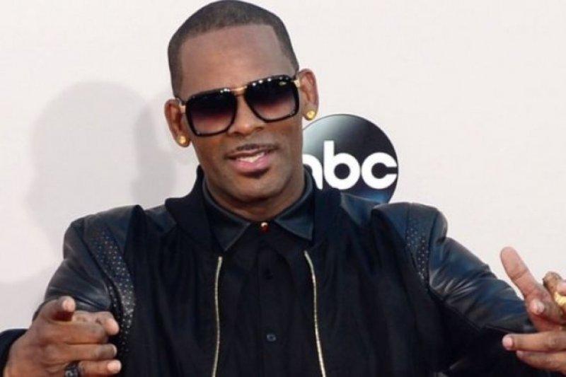 R. Kelly dilarang konser di Illinois