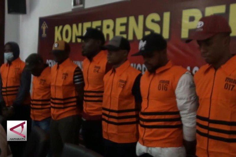 Imigrasi Bandung amankan 8 TKA ilegal
