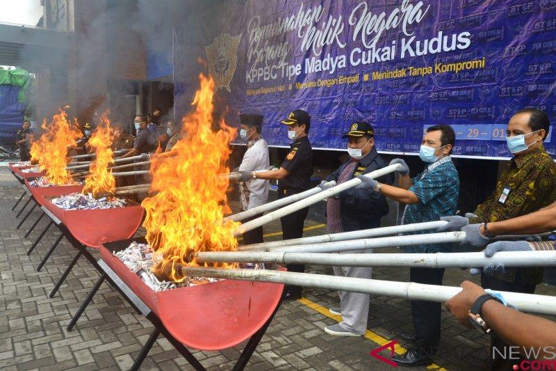 Bea Cukai tindak tiga pengiriman rokok ilegal di Jawa Tengah