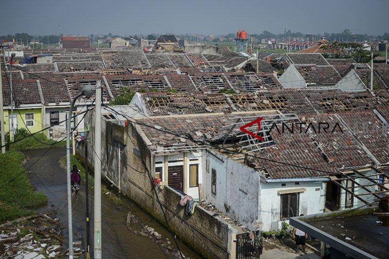 Enam desa terdampak puting beliung di Kabupaten Bandung