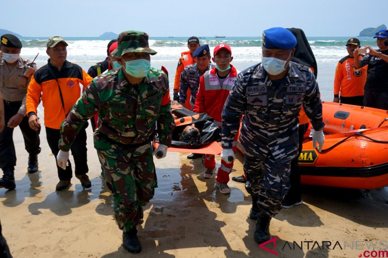 Simulasi penanganan bencana tsunami di Banyuwangi
