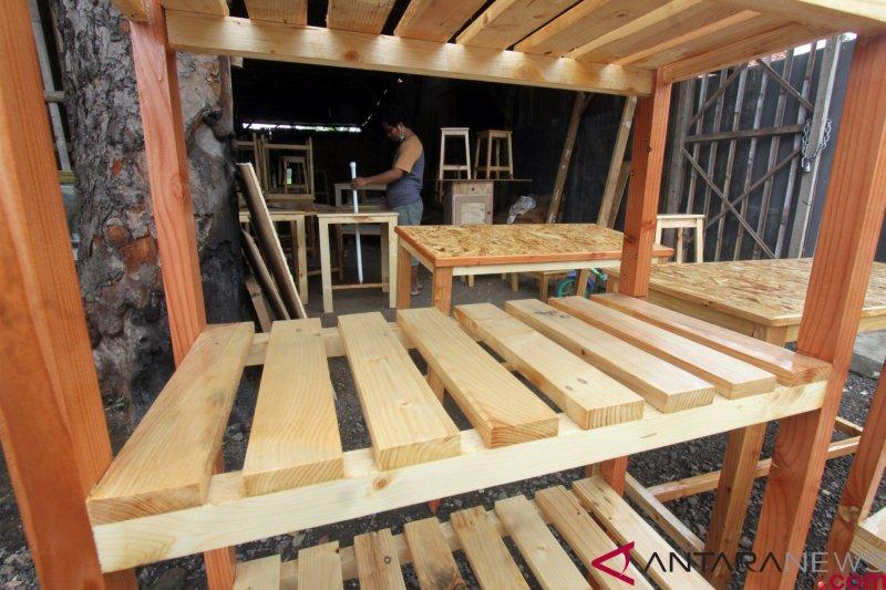 Pemerintah diminta  sederhanakan perizinan kayu bagi UMKM furnitur