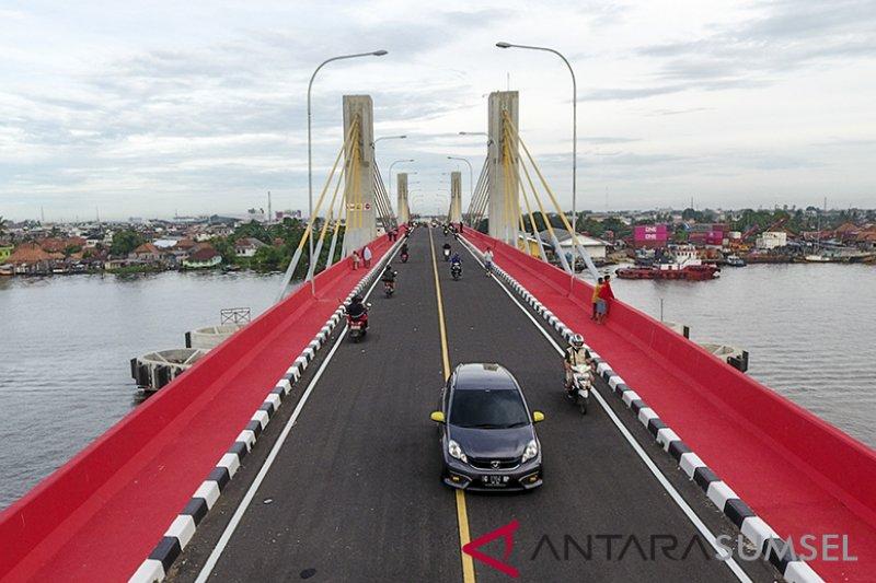 Jembatan Musi IV urai 40 persen kemacetan jembatan ampera