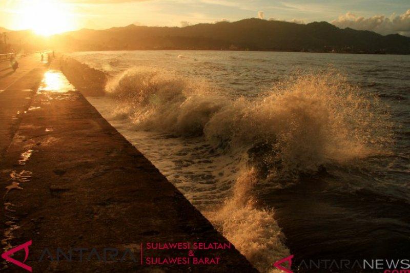 BMKG : Imbau masyarakat waspadai gelombang tinggi di perairan Sulbar