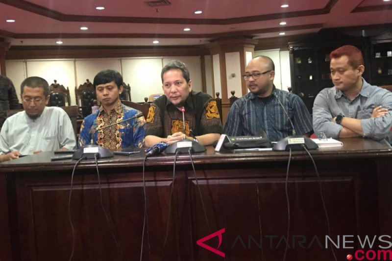 Ombudsman tak setuju rencana blokir IMEI ponsel ilegal