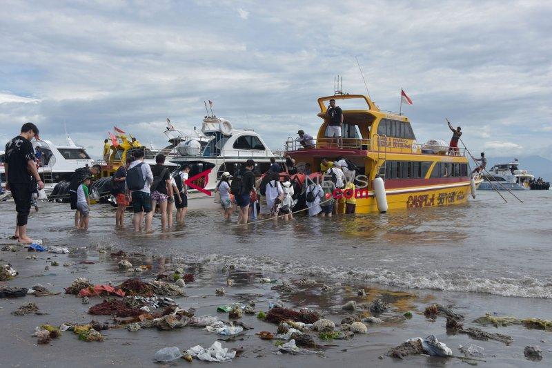 Gelombang tinggi, jalur penyeberangan kapal dari Sanur dipindah