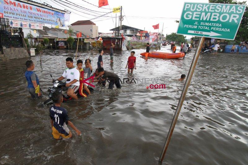 Pos pelayanan didirikan BPBD Tangerang-Banten antisipasi banjir