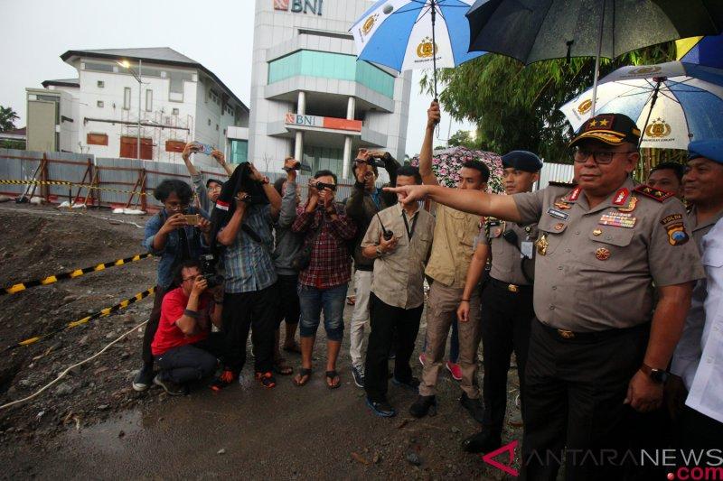 Polisi: Tersangka kasus jalan ambles di Surabaya bisa bertambah