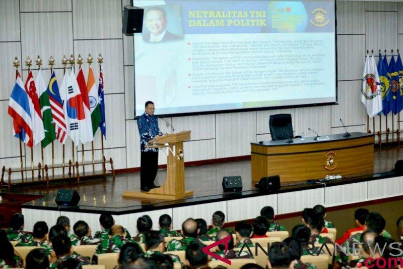 Netralitas TNI-Polri menentukan kualitas demokrasi