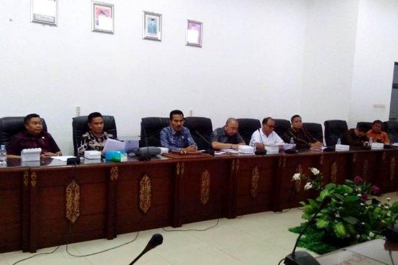 DPRD Barito Utara pertanyakan penarikan pajak galian C