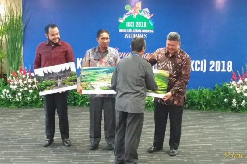 Kota Solok raih penghargaan Indeks Kota Cerdas Indonesia 2018 kategori kota kecil