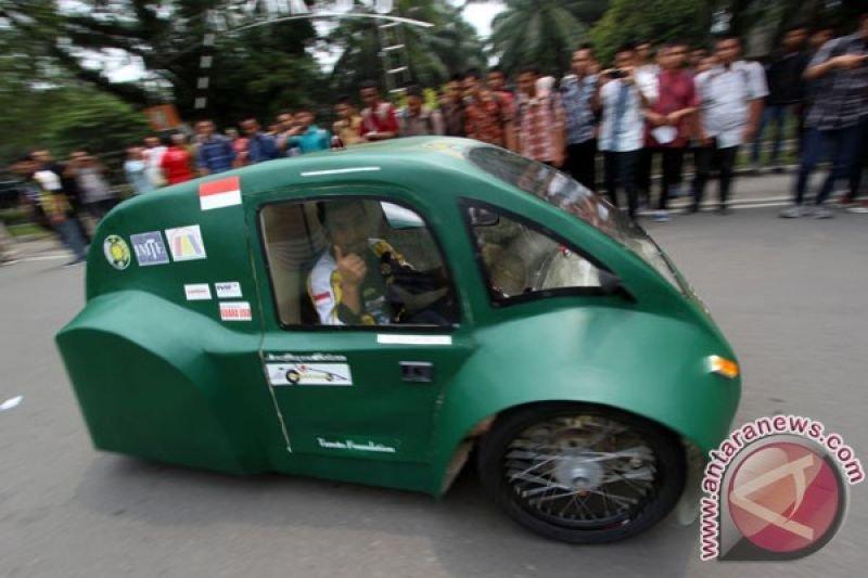 Mobil listrik jadi hal biasa di keramaian lalu lintas Hong Kong