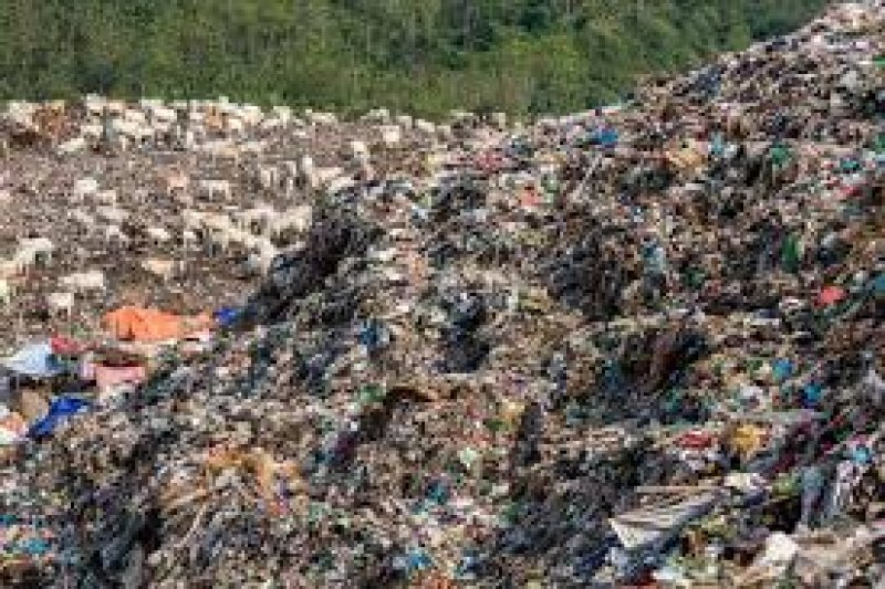 "Peduli lingkungan, warga Banyumas kembangkan Bank Sampah ""Inyong"""