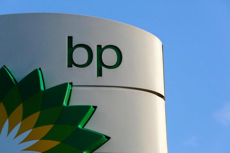 Aktivis Greenpeace blokir markas BP di London