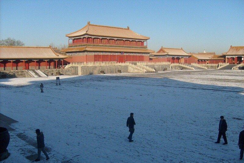 Hujan salju turun pada hari kedua Imlek di Beijing