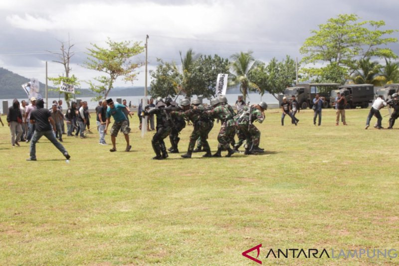 Danbrigif Marinir Tutup Latihan Pengamanan Pilpres