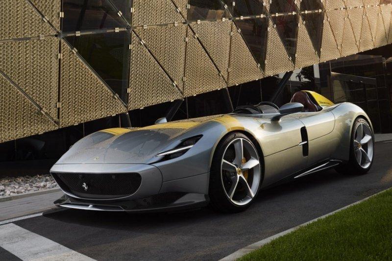 Ferrari Monza SP2 dinobatkan sebagai mobil tercantik
