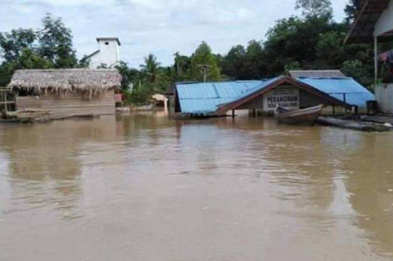 Desa di pedalaman Sungai Lahei dan Tewei mulai terendam banjir