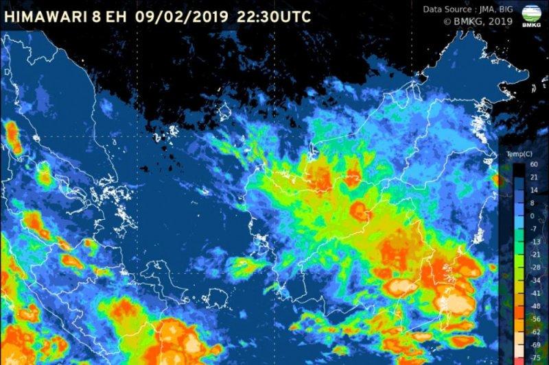 BMKG Peringatkan Potensi Hujan Lebat dan Angin Kencang di Lampung