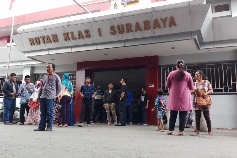"Separuh penghuni Rutan Surabaya ""overstaying"""