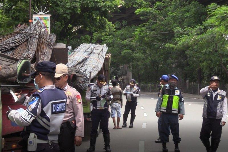 Sudinhub Jakarta Utara tindak 50 kendaraan pelanggar aturan lalu-lintas