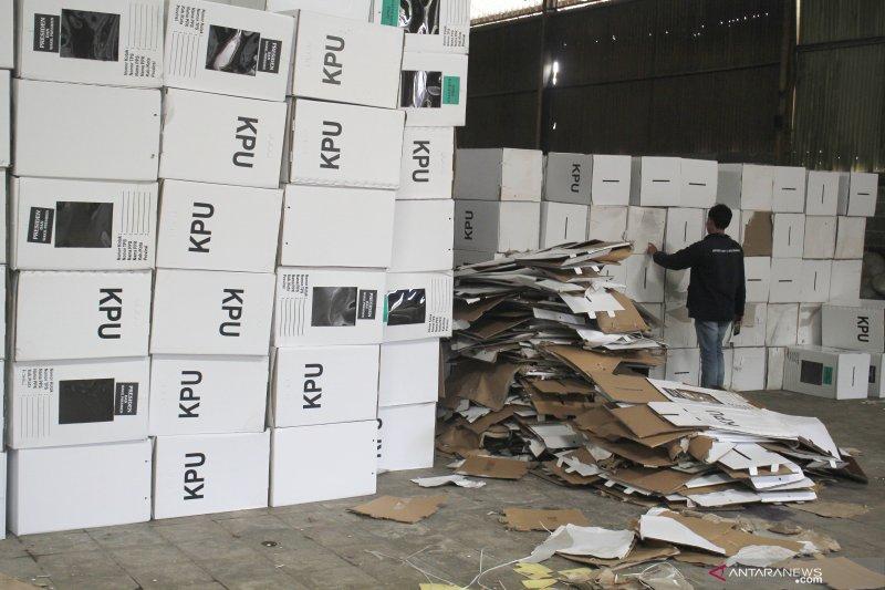 Bawaslu Jabar: ada temuan 2.463 kotak suara rusak