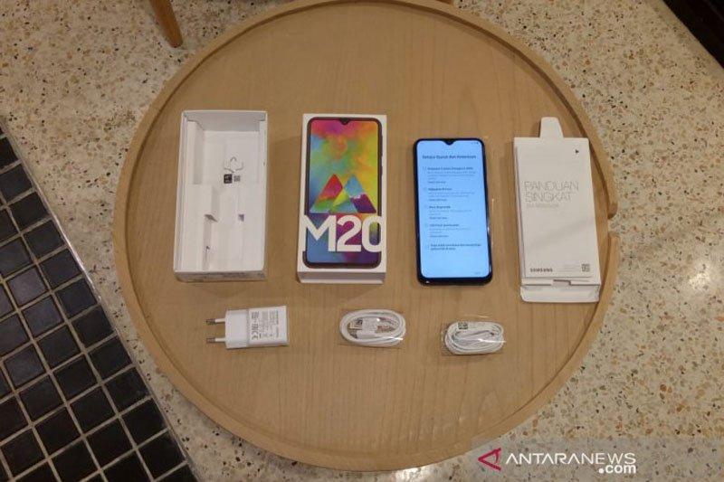 Galaxy Samsung M20 resmi diperkenalkan di Indonesia