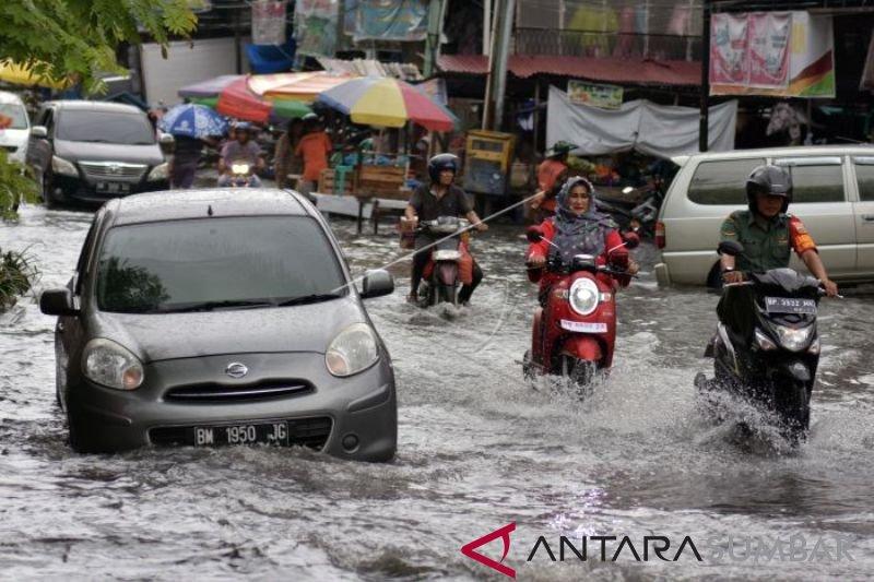 Banjir,  kado menyedihkan untuk ulang tahun Kota Pekanbaru