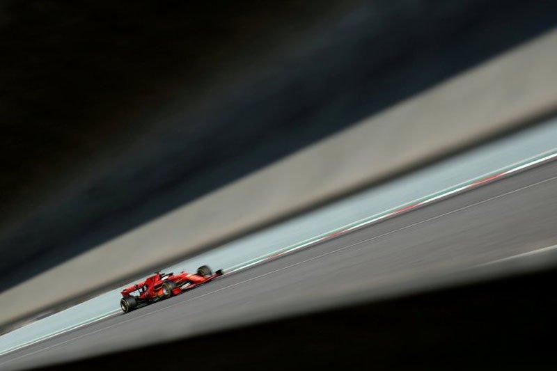 Vettel tercepat pada hari pertama tes pramusim F1 di Catalunya